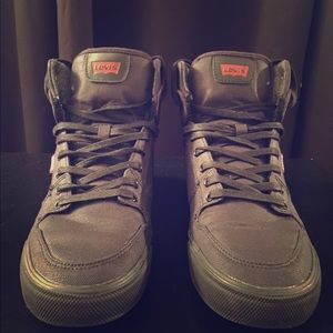 LEVIS Hightop all black leather sneaker